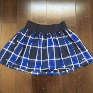 Hollister plaid skirt with elastic waist
